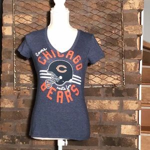 NFL Team Apparel Chicago Bears V-neck tshirt xs